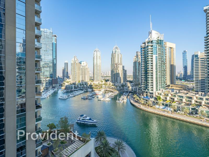 High End | Bright and Spacious | Marina view