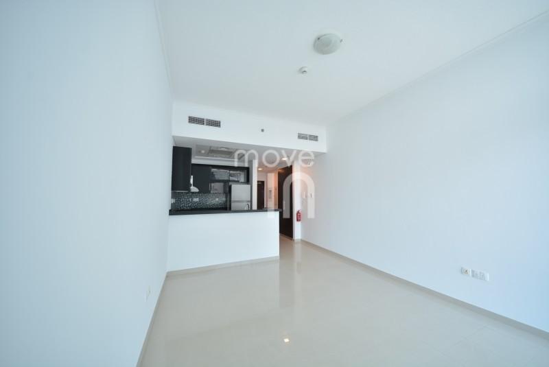Fabulous Studio on High Floor Botanica