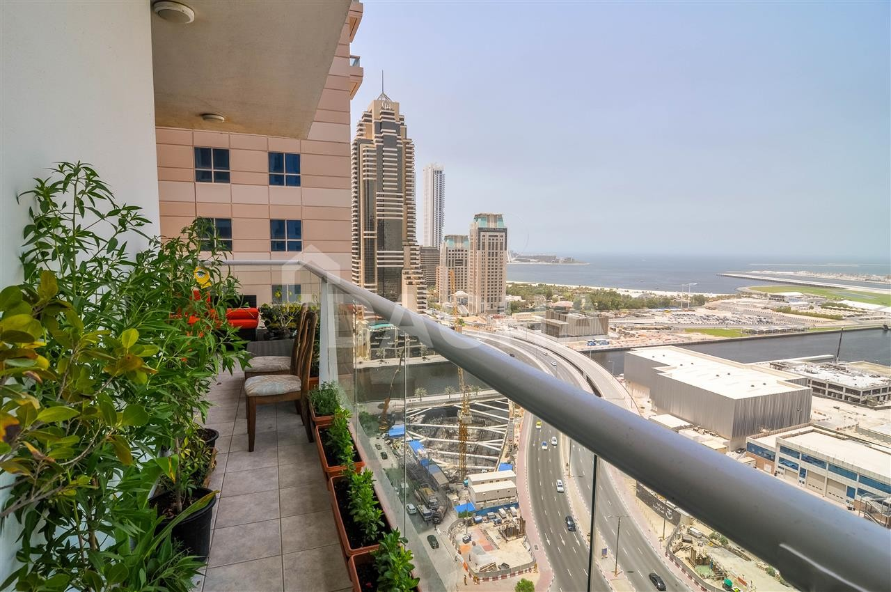 High End Property // Full Sea View // AC Free