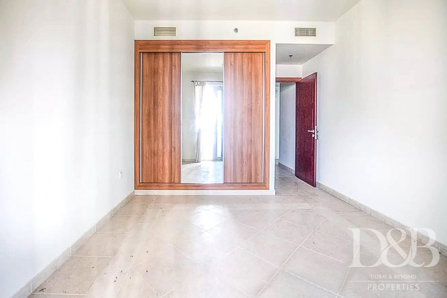 Well Maintained 1 BR | Large Layout Unit