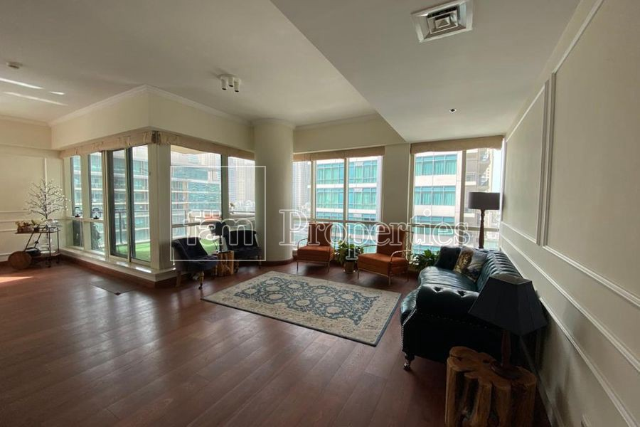 Marina View | Upgraded | 3 Beds + Study