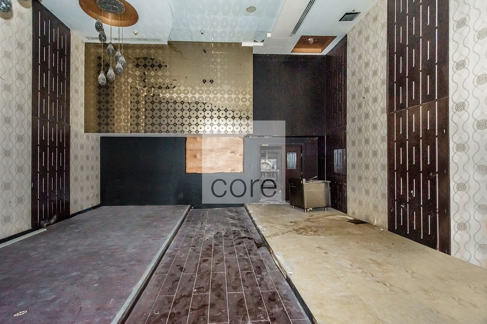 Fitted Retail | Pay in 12 Cheques | Spacious