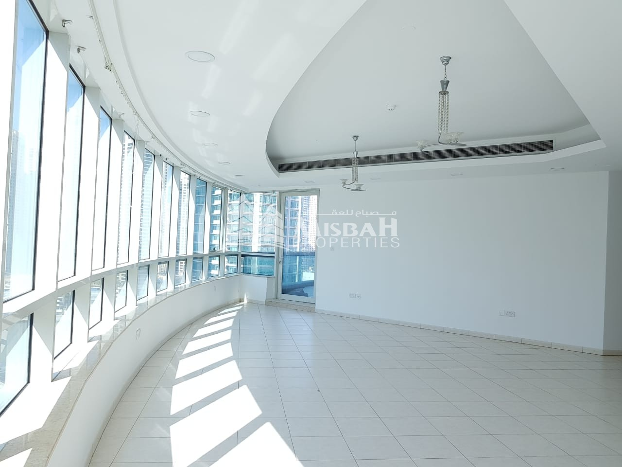 Very Bright  Natural Sun Light in The Apartment Located in To Marina 4 Bedroom Vacant Now