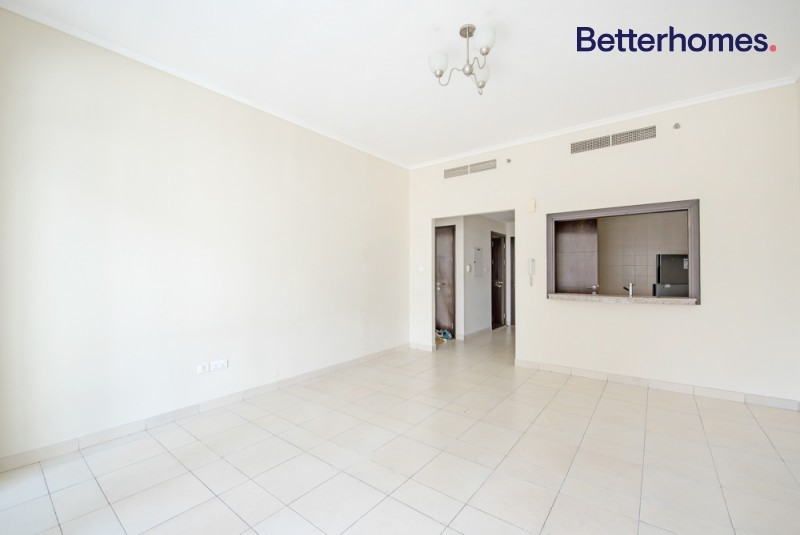 Mid Floor | 886.73 sq. ft | Vacant | Unfurnished
