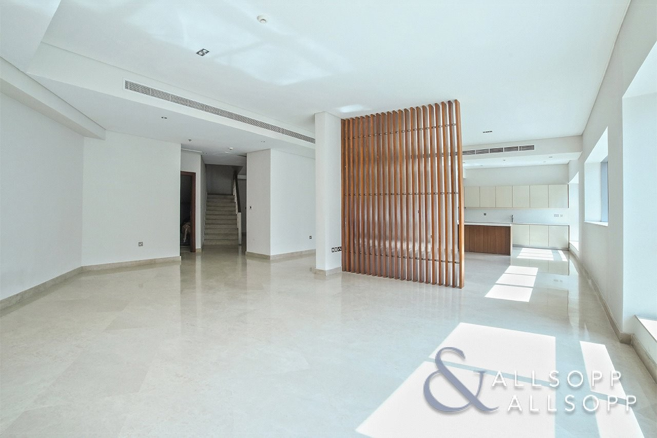 Triplex Villa | 3 Beds | Private Terrace