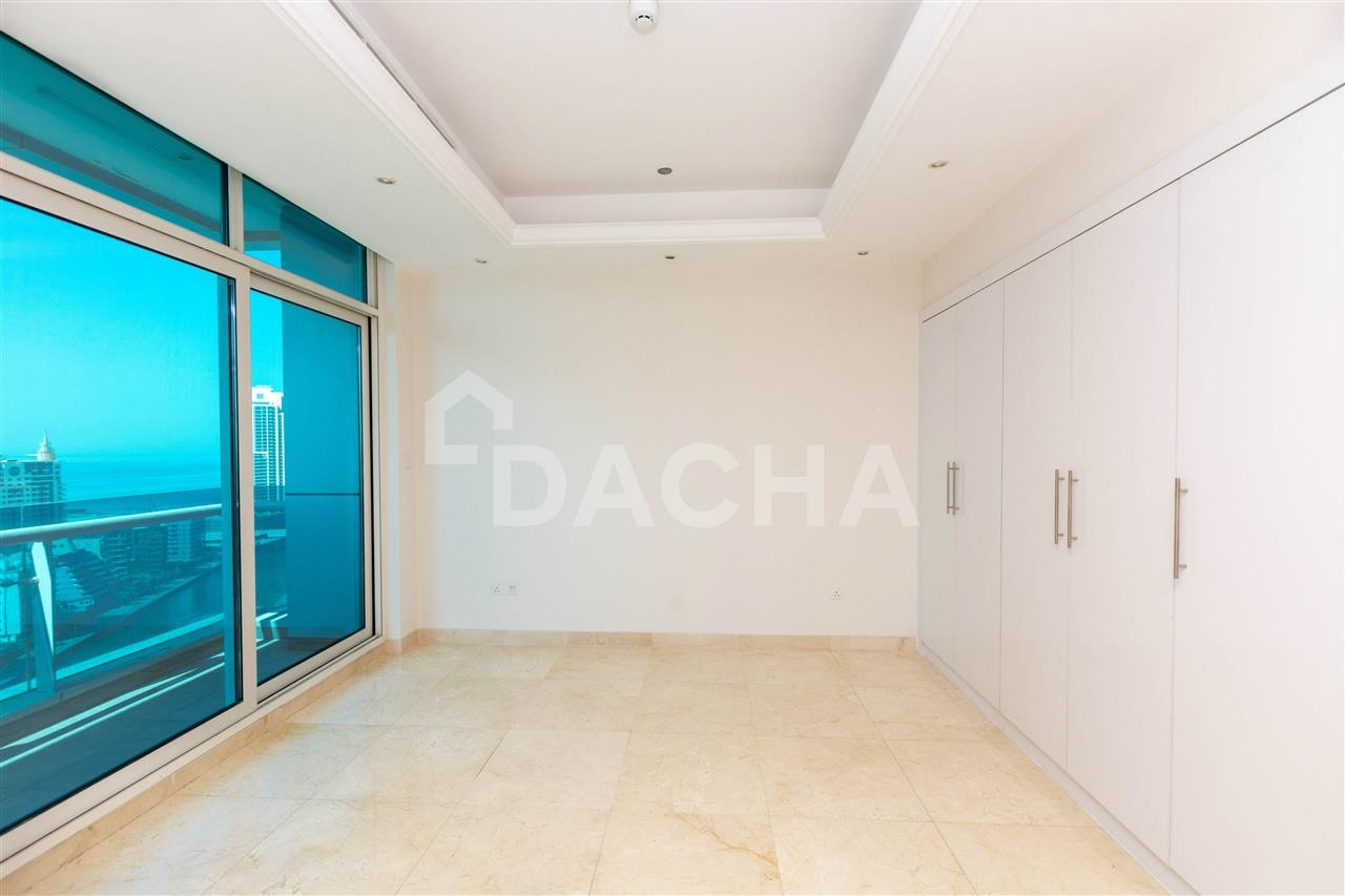 Big Layout / Road View / Best Deal