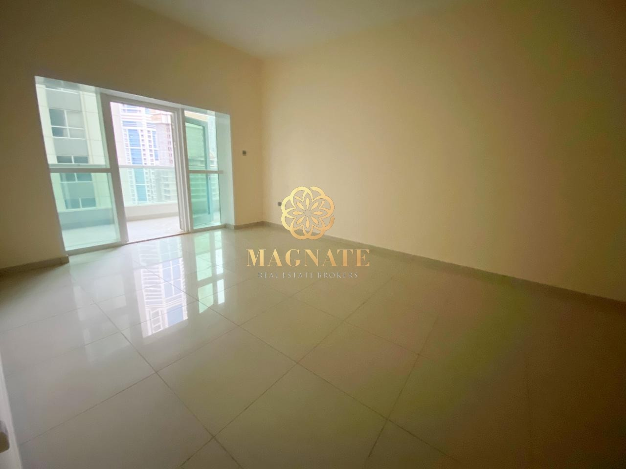 Great Price | Unfurnished | Superb Condition