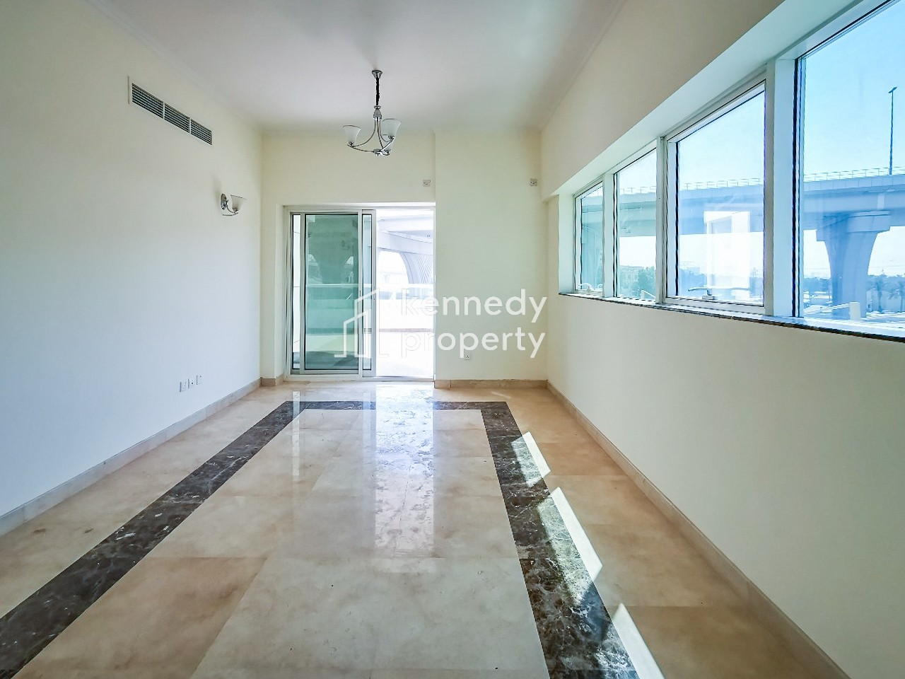 Motivated Seller I Spacious I Vacant on Transfer