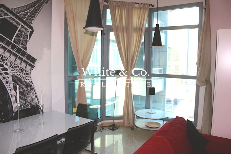 Close to metro | Furnished | Flexible Cheques