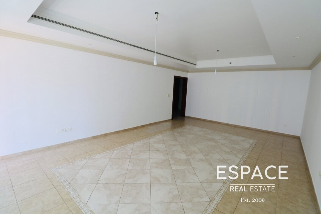 Large Layout | 2 Bedrooms | 1 Month Free