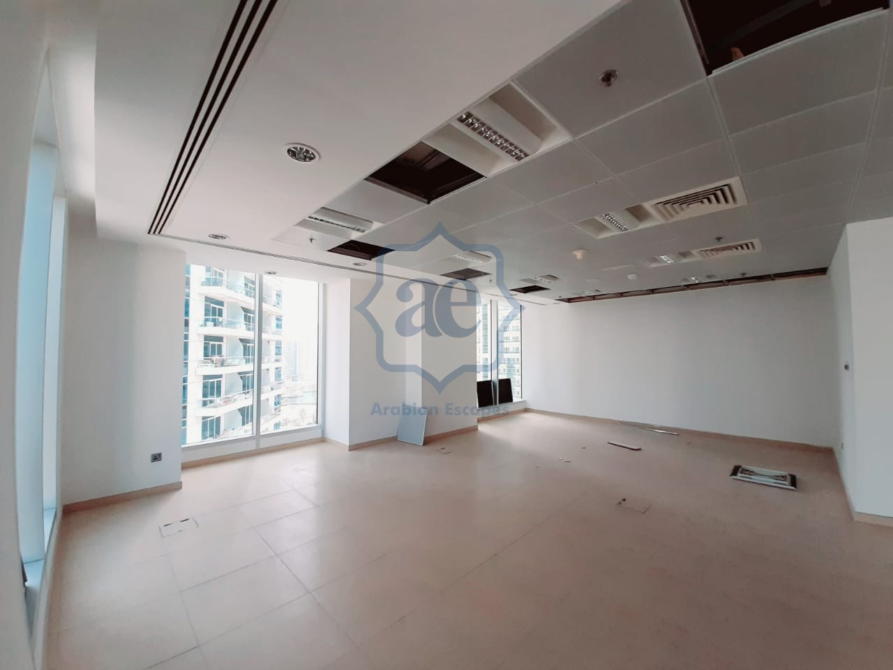 Stunning Office l DEWA and Chiller included l Sea View