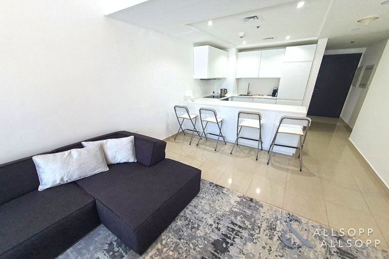 PERFECT FOR AIR BNB | Upgraded And Furnished | 1 Bed  - 1 Bedroom - 2 Bathrooms - Upgraded - Fully Furnished  - 698 Sq. Ft. (contd. . . )