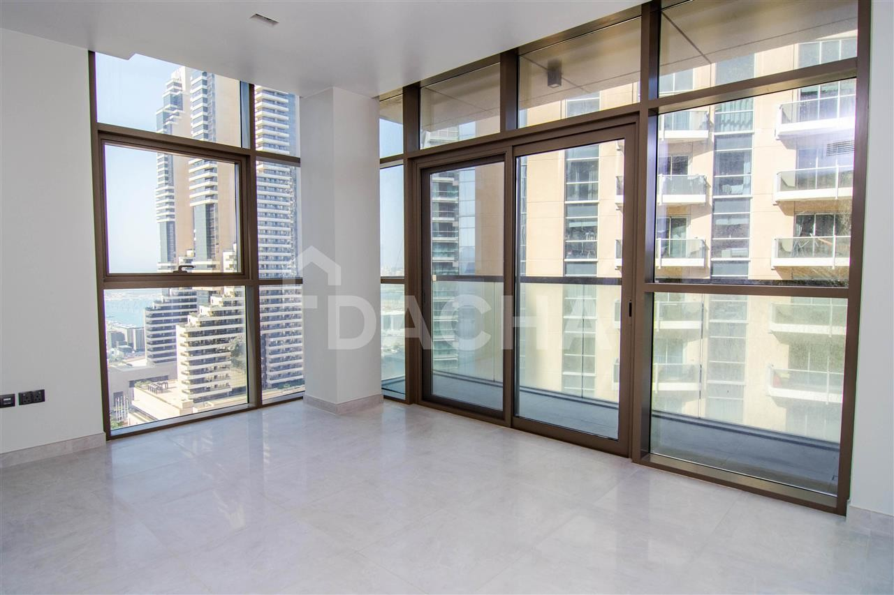 Marina VIEW / Spacious 2 Bed / Low Floor