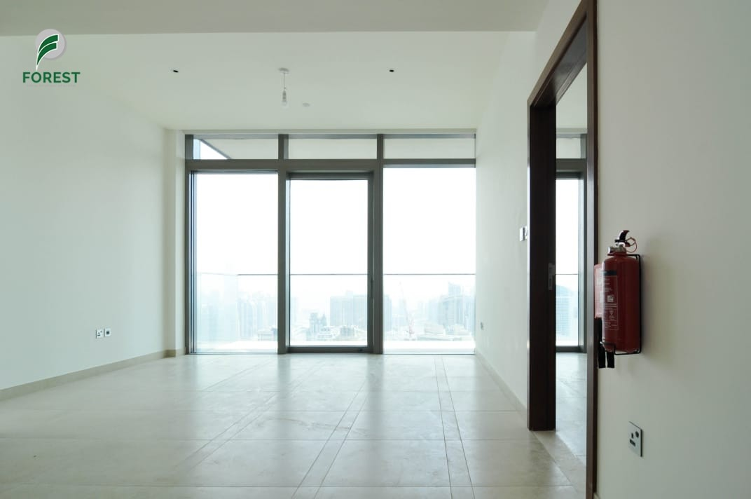 Vacant   Unfurnished  1BR   Very High Floor