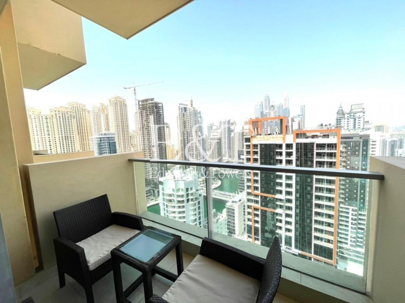 Serviced Apartment | Marina View | Balcony