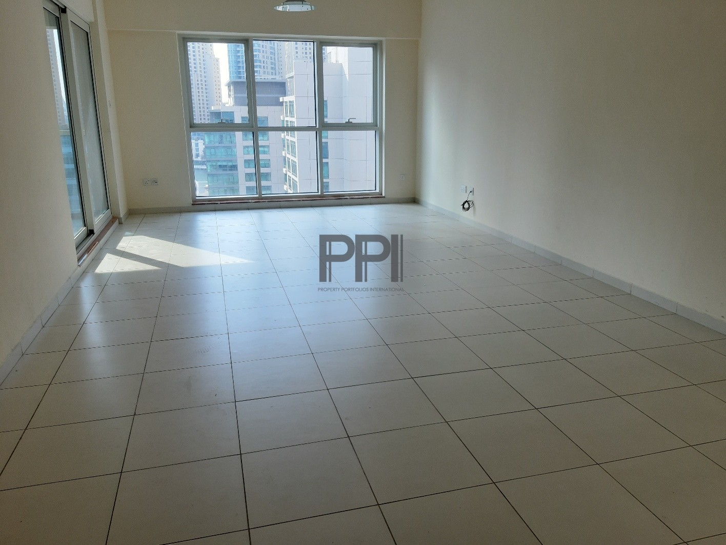 Sheikh Zayed road view| Well maintained | 2 bhk apartment