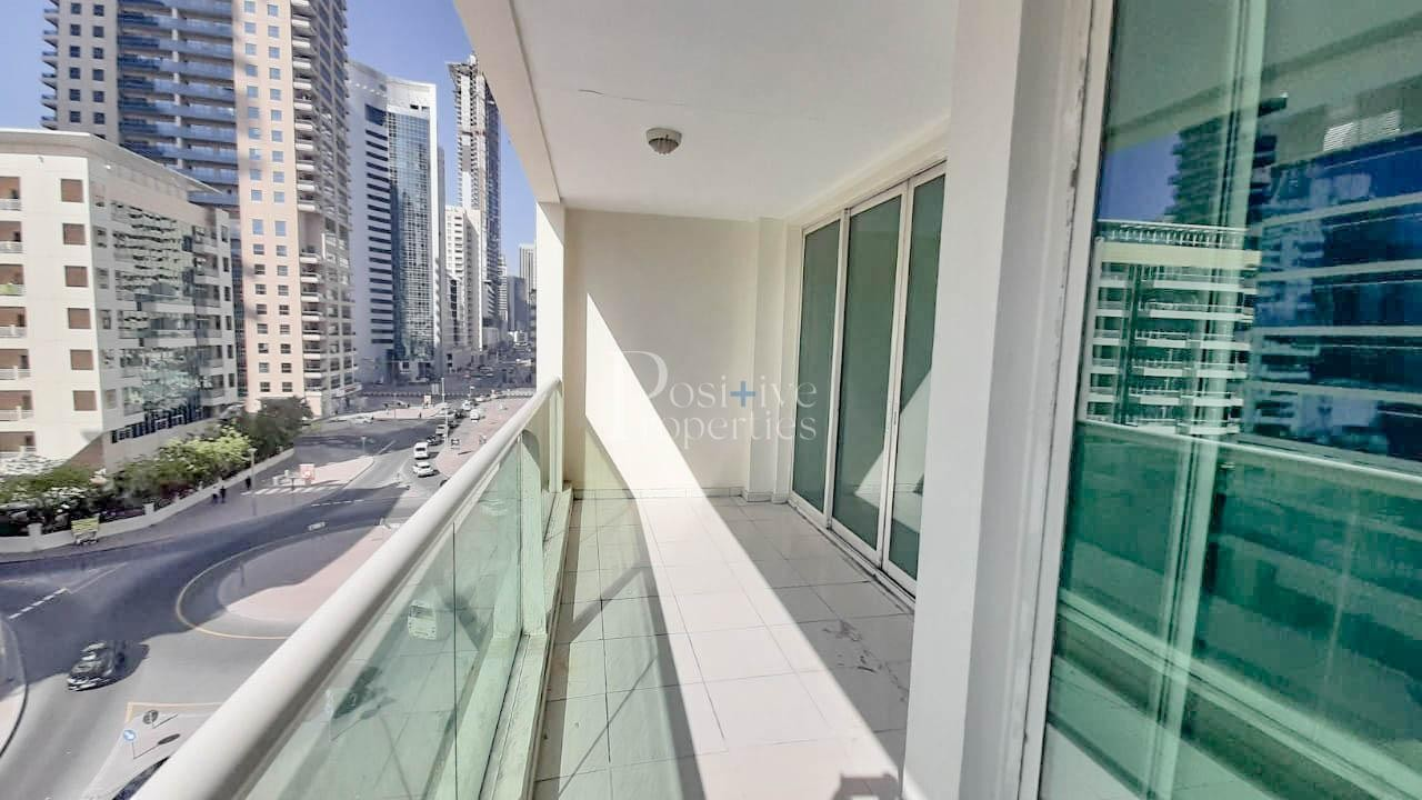 Multiple cheques|Spacious|Huge Balcony