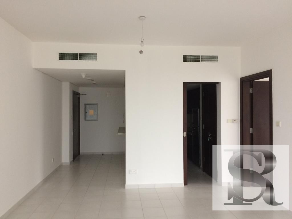 Spacious/Well Maintained/Mid Floor/ Ready to Move