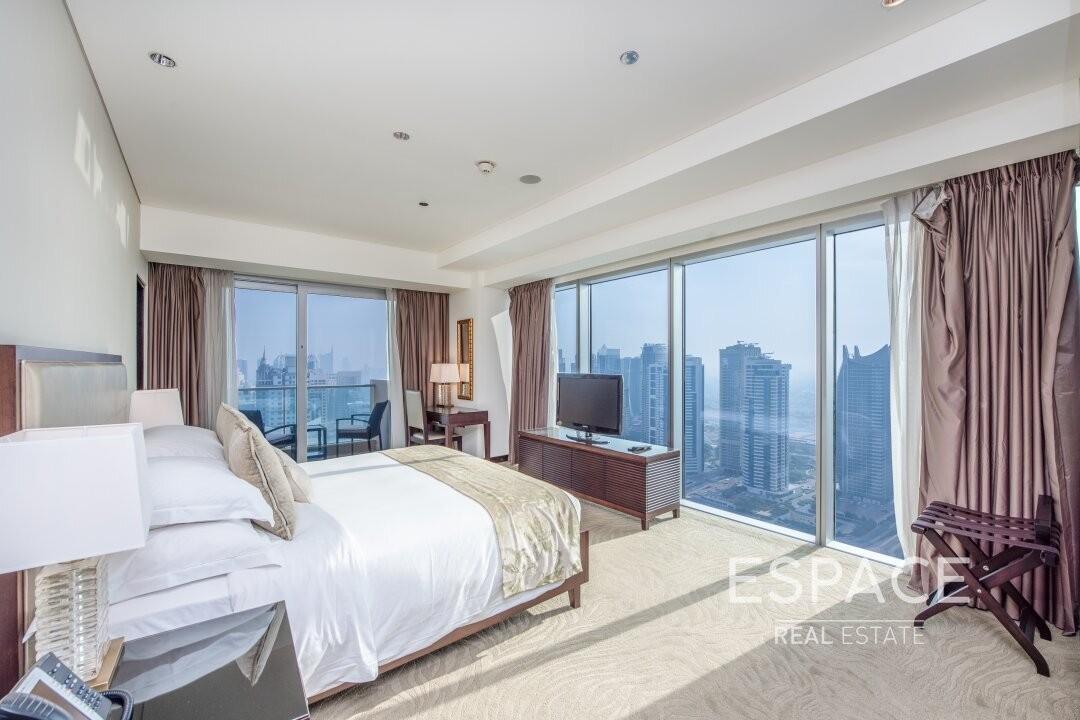 Luxury Living   1 Bedroom   Marina Views
