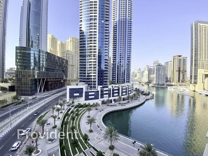 Spacious Bright Apartment With Marina Views