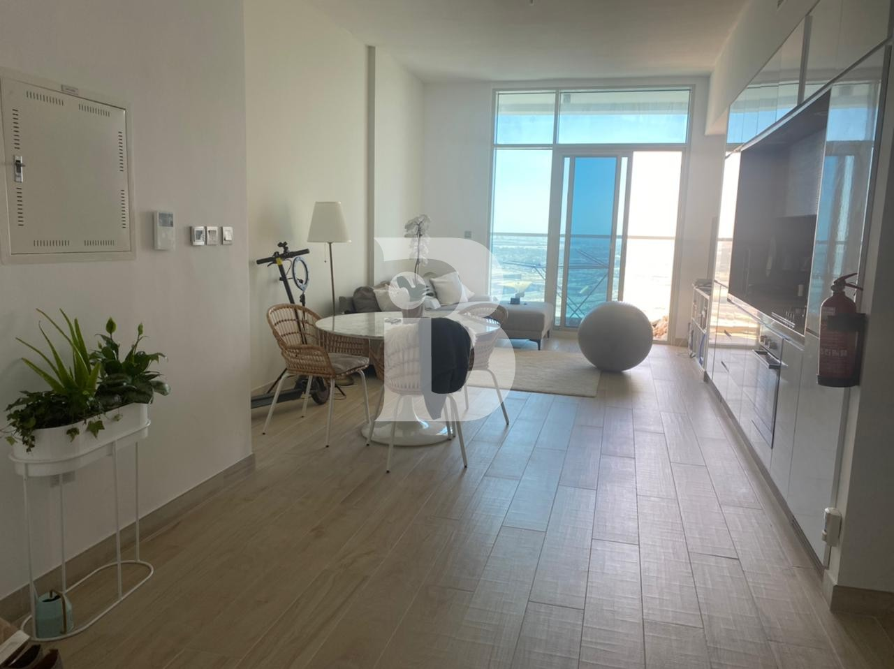 Prime Location| Modern| Sea View| High Floor