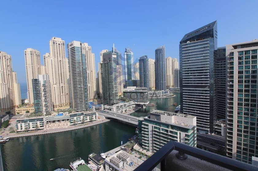 1 Bed On High Floor, Stunning Marina View