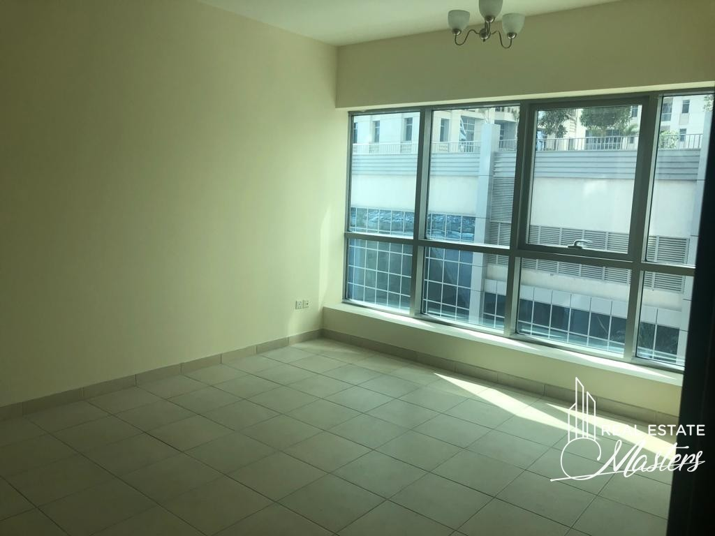 Stunning 1 Bedroom with Partial Marina View