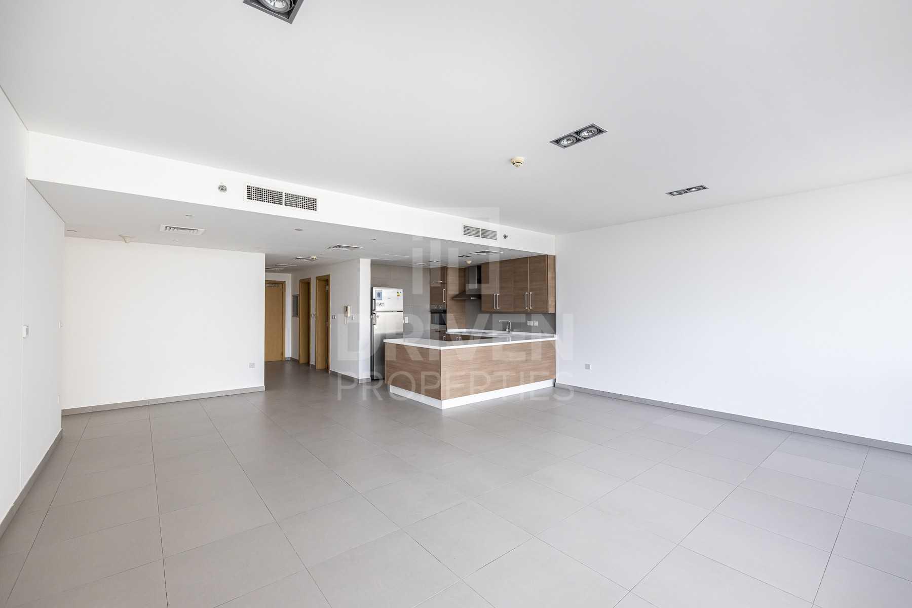 Luxurious Apartment | Kitchen Appliances