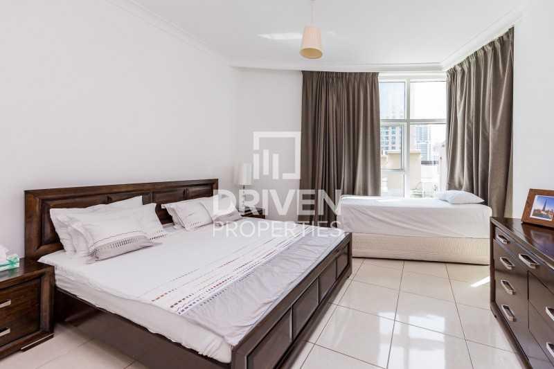 Luxurious Furnished Apt plus Maid's Room