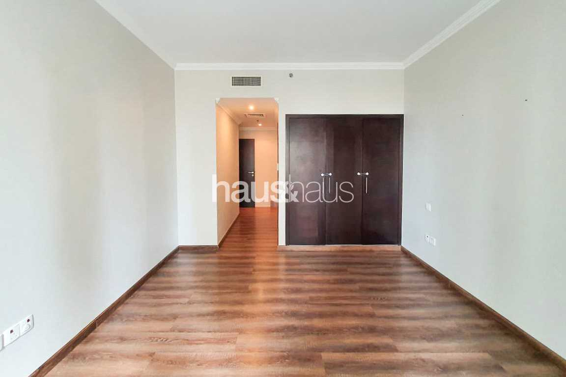 Fully Upgraded   Beautiful 2 Bed   Vacant Now