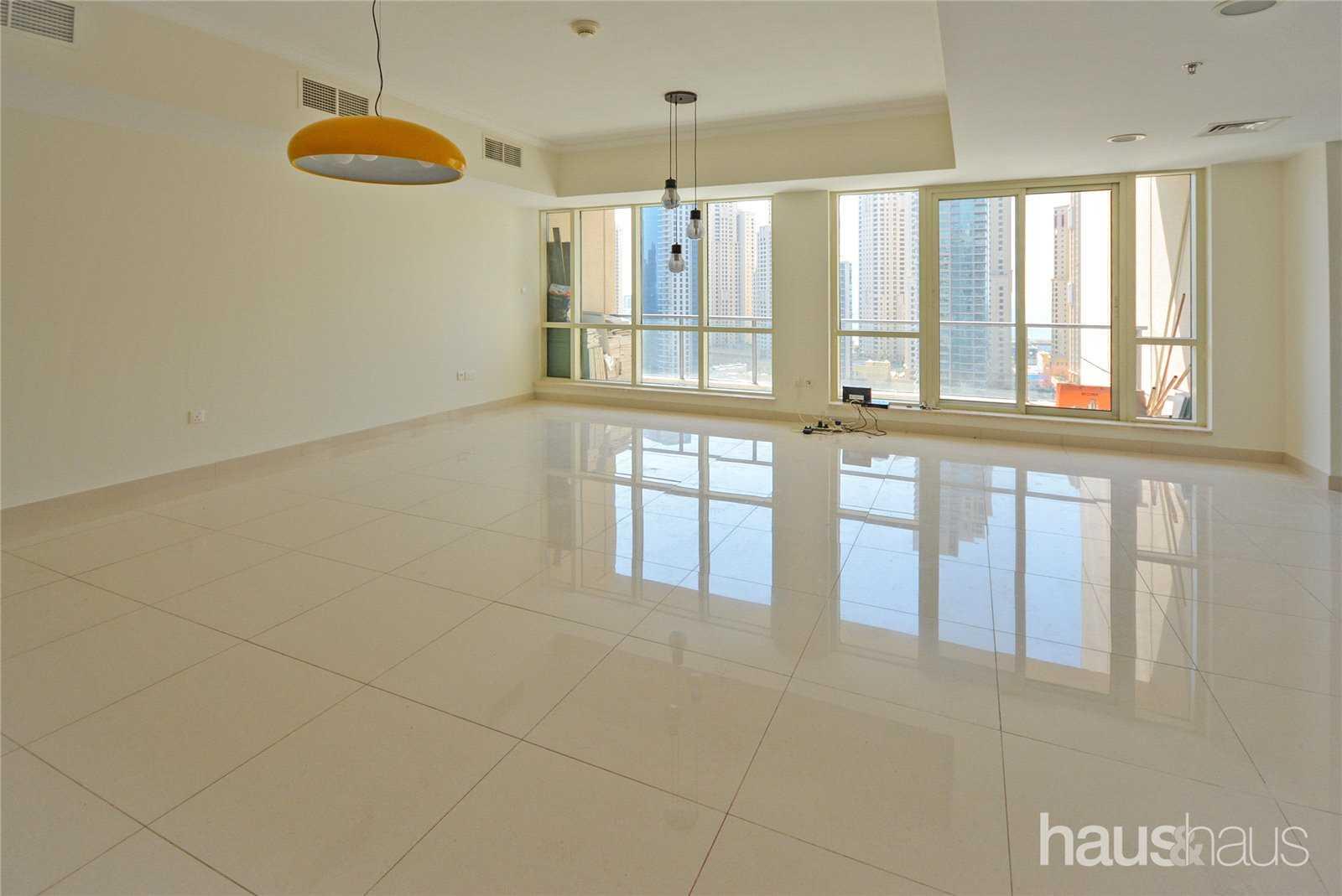 Large layout | Marina view | Chiller free
