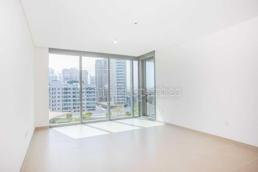2 bhk  Marina view  brand new   Mid floor