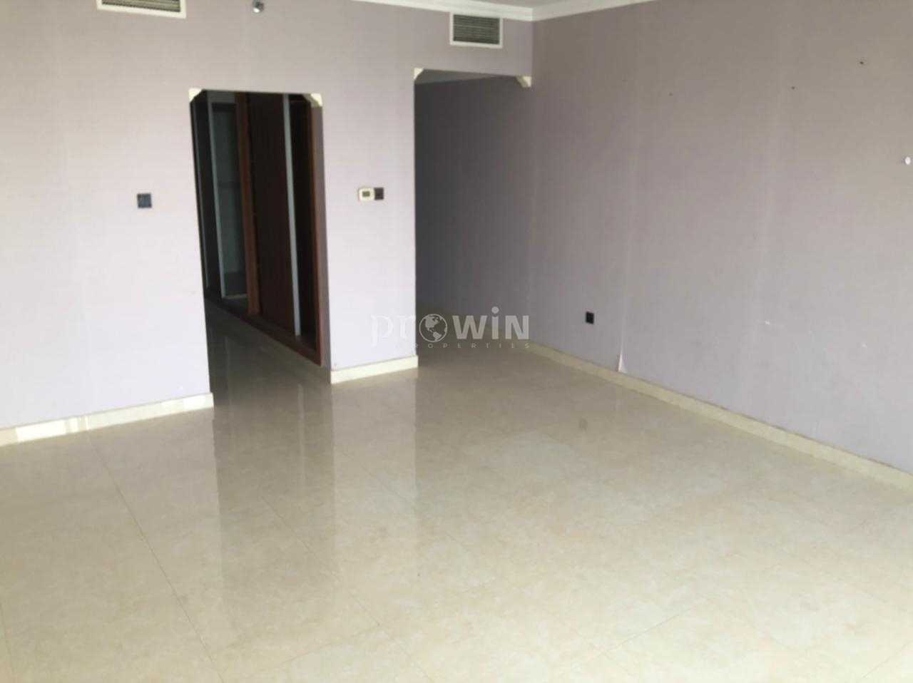 VIEW OF PALM JUMEIRAH  | Large Layout | Ready To Move | With Storage And Maids Room | With Basic Kitchen Applinces !!!