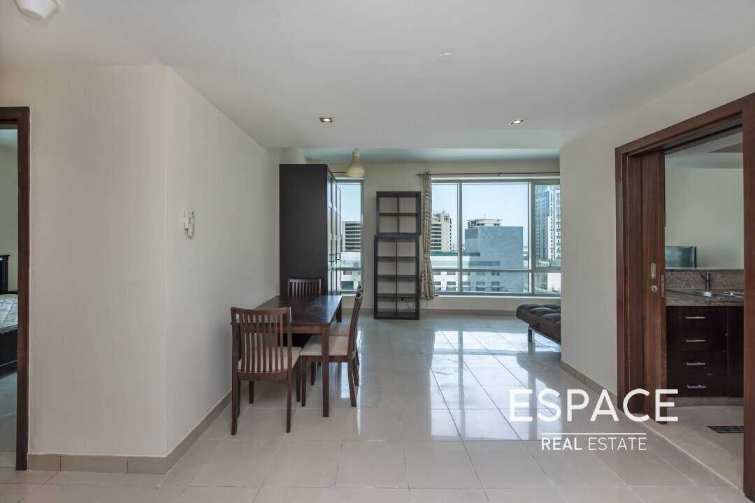 Unfurnished | Trendy | 1 Bed