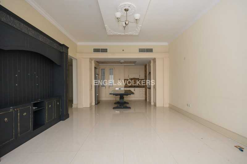 Hot Deal   Large Layout   Well Maintained