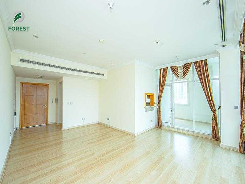 Buzzing Place|Spacious 2BR Apartment | Marina View