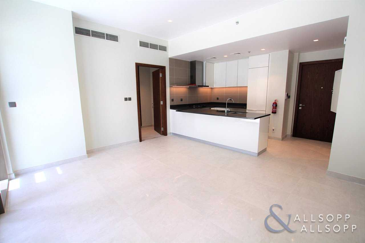 1Bed Apartment | Available | Large Terrace