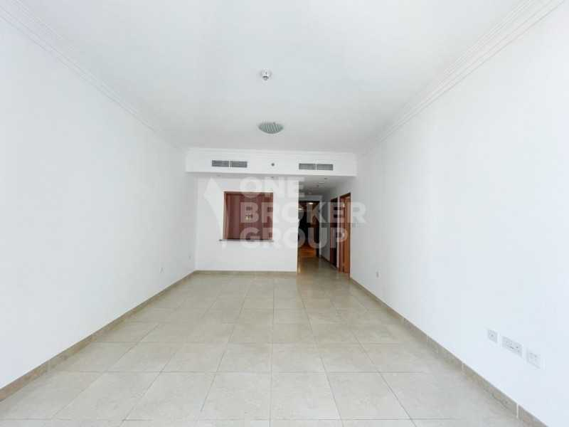 Well Maintained | Mid Floor | 6 Cheques Accepted