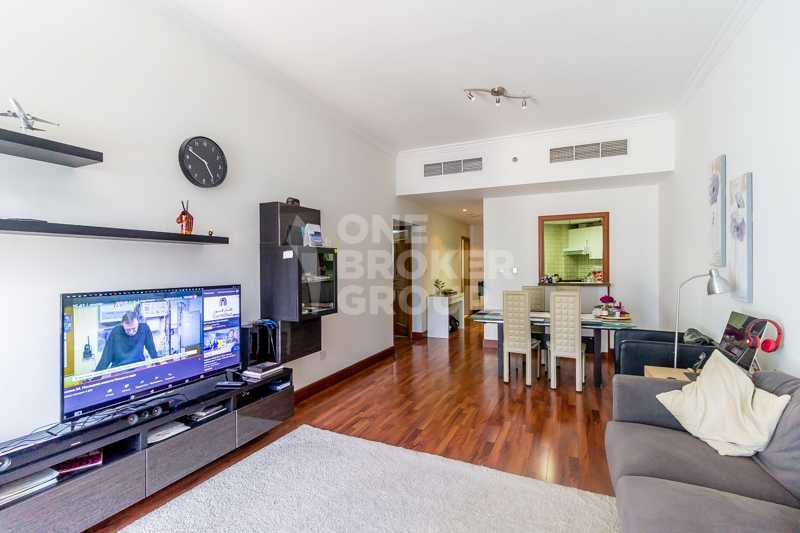 By metro! Upgraded, Furnished, Marina view
