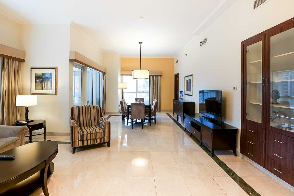 Luxurious and Spacious 2 bed apartment in Marina