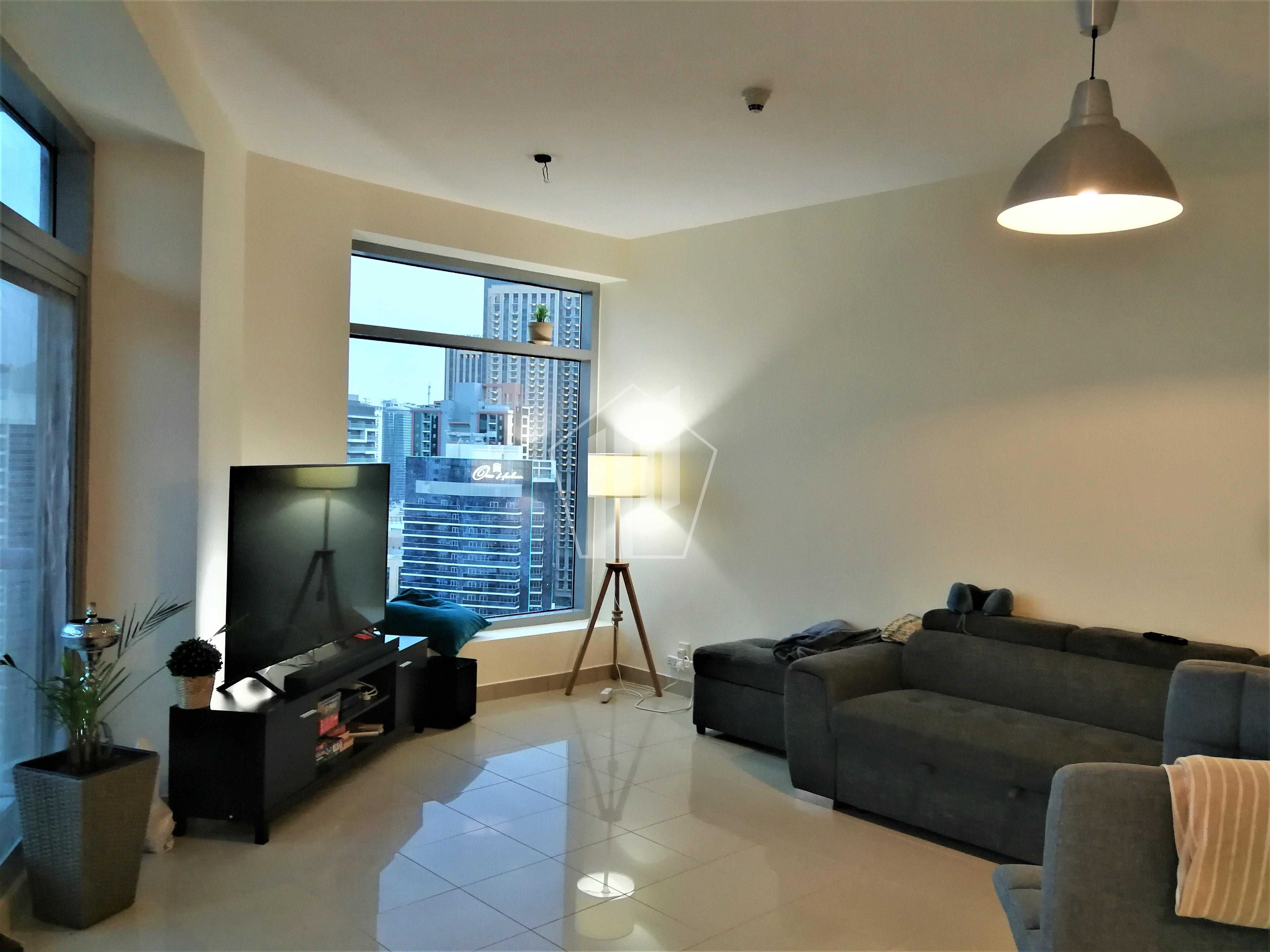 Marina view/ High Floor / With Balcony / Chiller Free