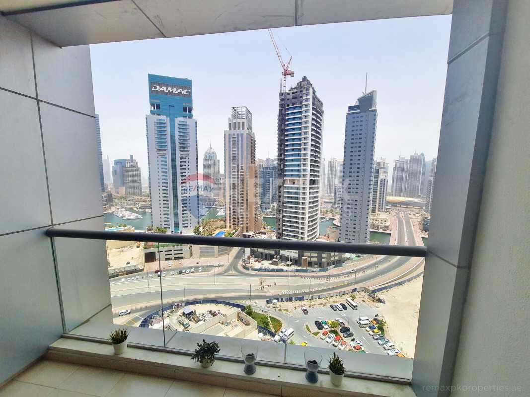 Chiller fee | High floor studio | Marina view