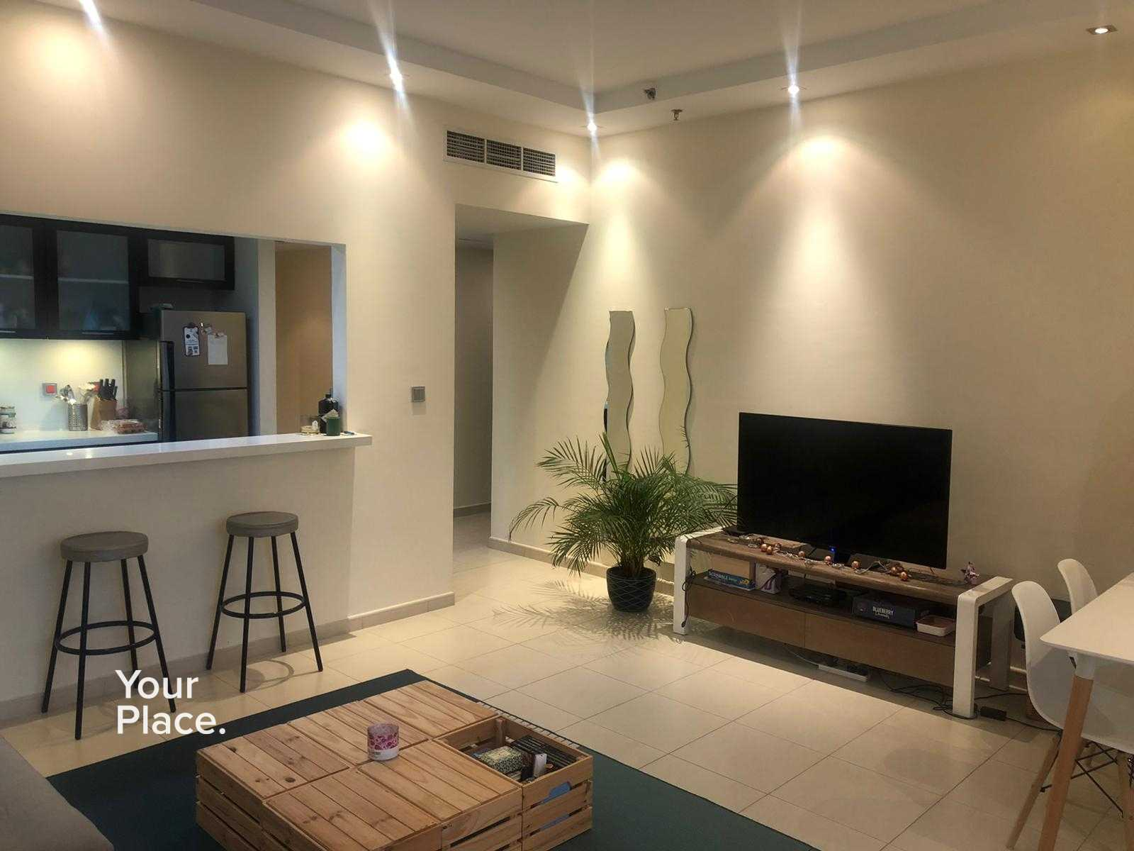 Chiller Free - Semi Furnished - High Floor