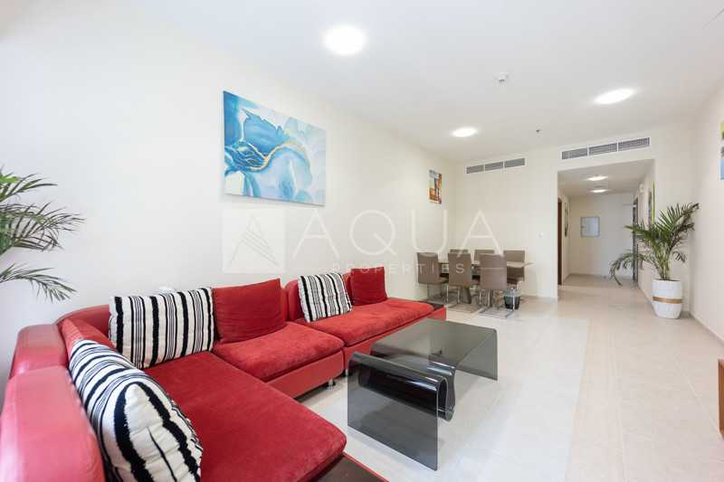 Immaculate Unit   High Floor   Available in Nov
