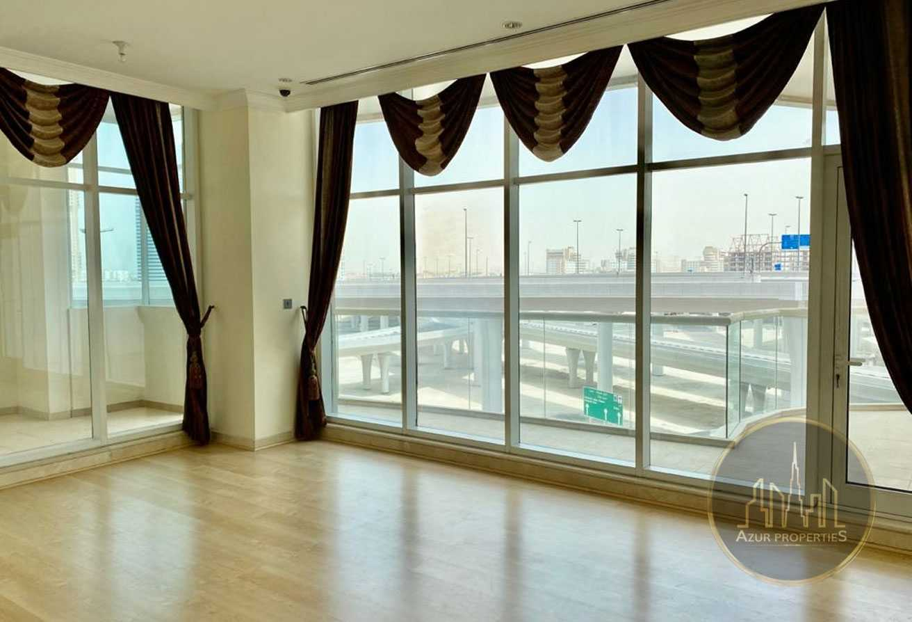 02 BR + Ext. Store! Large Balcony ! Super Location
