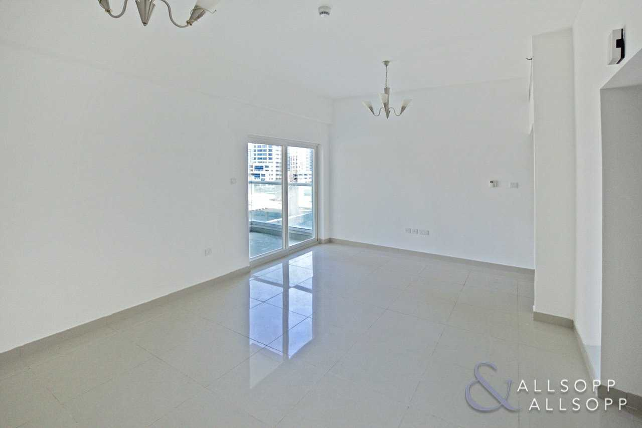 One Bed Apartment | Unfurnished | Balcony