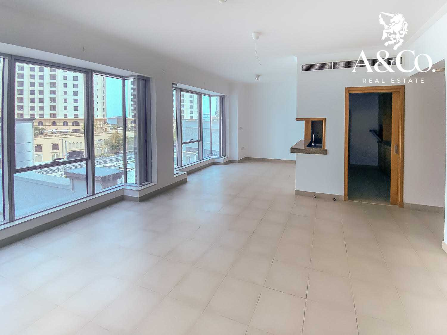 Spacious 1 Bed | With 6 Cheques | Aurora