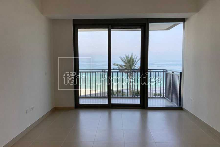 Amazing view/Easy access to blue water/first tenat
