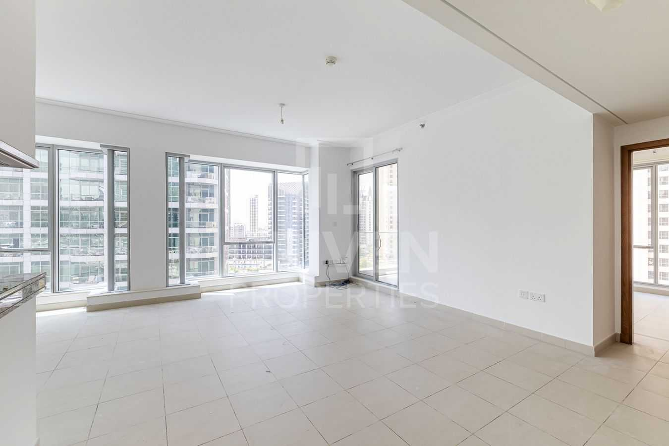 Large | Partial Marina View | High Floor