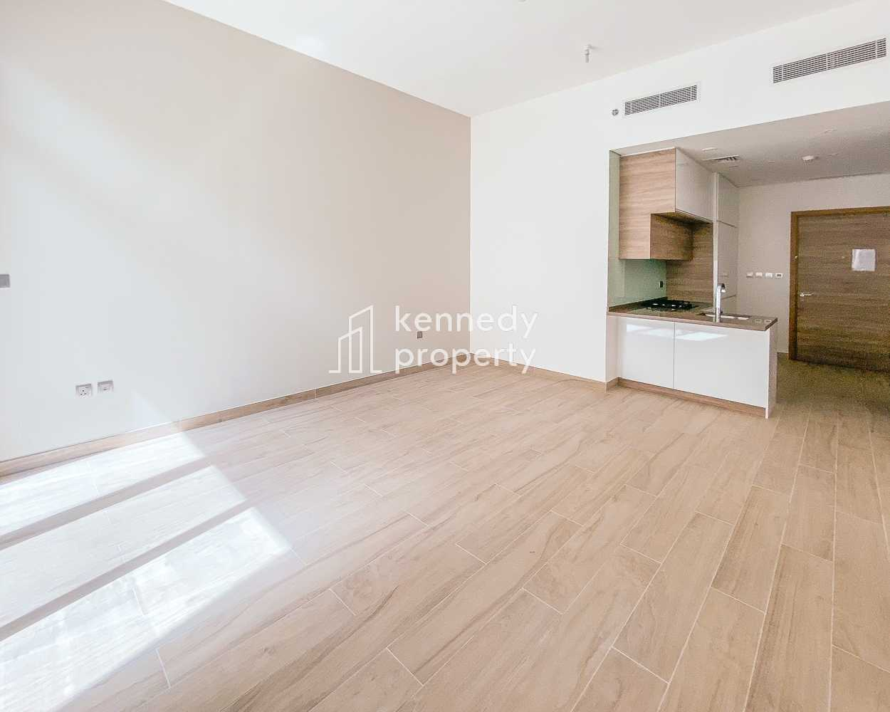 Popular Layout   Fitted Kitchen   Vacant